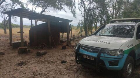 Polícia Militar Ambiental de Bataguassu fecha carvoaria que funcionava sem licença ambiental