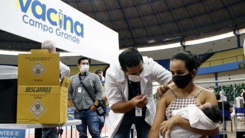Covid-19: Vacinação de gestantes e puérperas sem comorbidades é suspensa