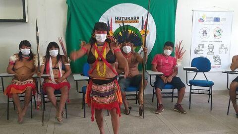 INSEGURANÇA: Garimpeiros lançam gás lacrimogênio em 7º dia de ataque à Yanomamis