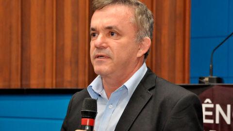 Reforma Administrativa vai prejudicar serviços públicos, afirma Vander Loubet