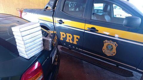 PRF apreende 8,2 Kg de pasta base de cocaína em Ponta Porã (MS)