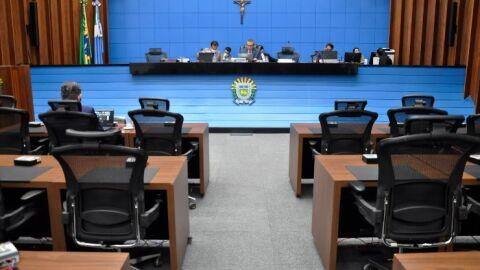Deputados devem votar cinco projetos na sessão plenária desta quarta-feira