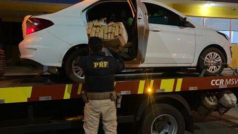 PRF apreende 378,5 Kg de maconha em Eldorado (MS)