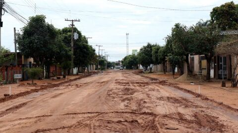 Prefeito autoriza pavimentação de mais nove trechos do bairro Novo Aeroporto