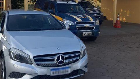 PRF recupera veículo de luxo roubado no Rio de Janeiro