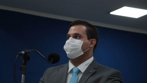 """William Maksoud: """"Continuem usando máscara, álcool e, quando chegar a sua vez, vacine-se"""""""