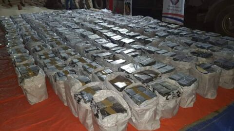 Polícia paraguaia flagra 2,5 toneladas de cocaína em contêiner de açúcar de empresa sueca