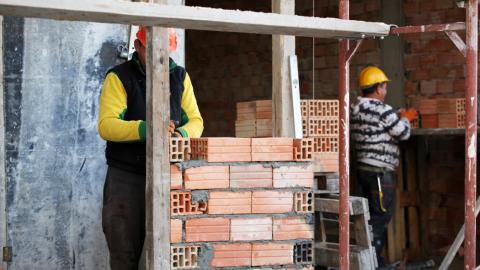 Fundação oferta 384 vagas de trabalho; mais de 100 para áreas da construção civil