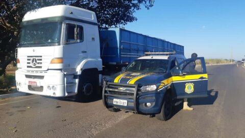 PRF recupera em Nova Andradina (MS) carreta roubada no RJ