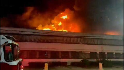 Vídeo agora: Cinemateca Brasileira é consumida pelo fogo