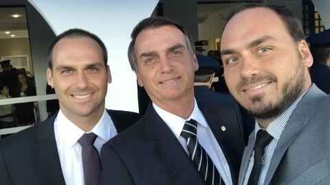 """Bolsonaro defende que fake news """"nem é crime"""""""