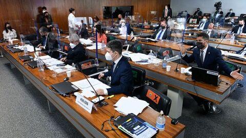Volta da CPI coloca governadores, prefeitos e Bolsonaro na mira da convocação