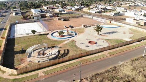 Construção das novas praças será finalizada no próximo mês
