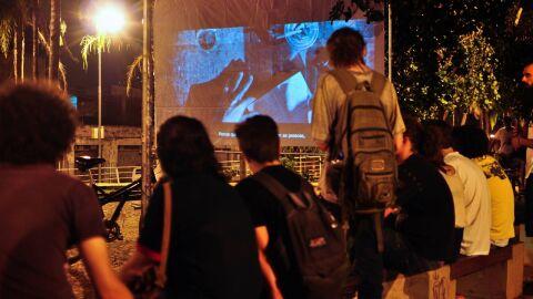 Exibição de filmes e oferta de oficinas cineclube acontecem em parques da Capital