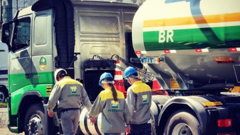 Alta no Diesel pode levar a paralisação geral de caminhoneiros, diz liderança