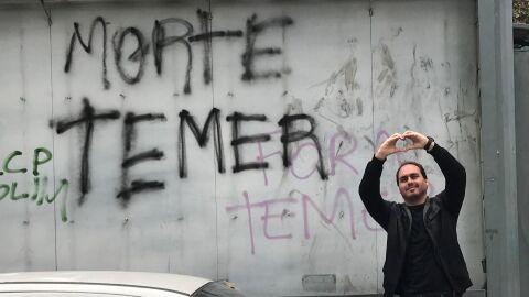 Carlos Bolsonaro é chefe de uma organização criminosa, diz Justiça