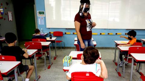 Prefeitura em MT abre 955 vagas na área de Educação; salários de até R$ 2,1 mil