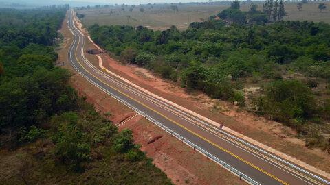 """Pavimentação em rodovia interliga """"pantanais de MS"""""""