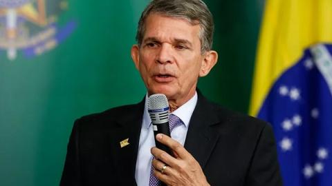 Petrobras é responsável por apenas R$ 2 do total do preço da gasolina