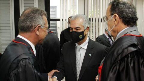 Reinaldo Azambuja prestigia posse de 14 juízes substitutos