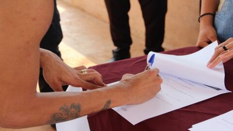 Custodiadas do Instituto Penal recebem carteira de nome social