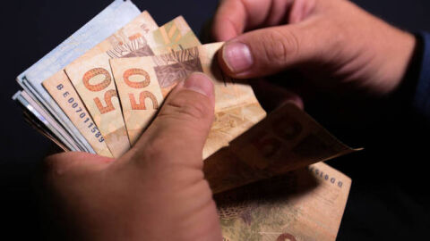 Metrópoles brasileiras: renda média atinge menor nível desde 2012
