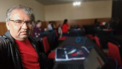 Mesmo preso, professor acusado de estupros recebe R$ 15,3 mil do Governo