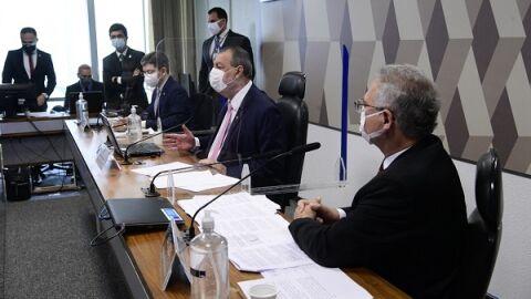 AO VIVO: Votação de relatório final define banimento de Bolsonaro das redes sociais