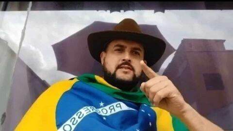 Caminhoneiro Zé Trovão é preso pela PF