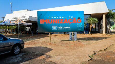 Central de Imunização estará vacinando contra Covid-19 neste sábado (16), veja os grupos