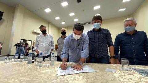 Governo do Estado assina convênio de obras em Naviraí e regulariza imóveis em Itaquiraí