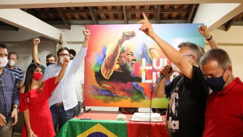 """""""Esperança"""" também define aniversário de Lula com filiações no PT/MS"""