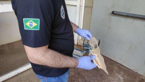 Pistoleiros invadem casa e tentam matar rapaz de 20 anos