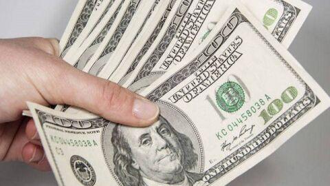 Dólar encerra na maior alta desde maio