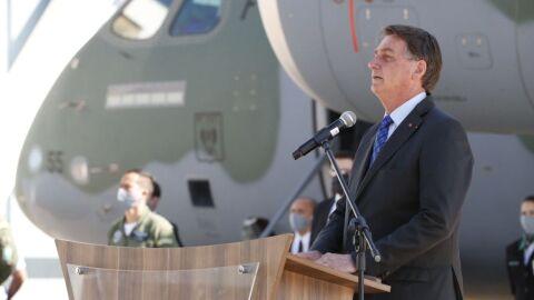 Bolsonaro passa por avaliação médica