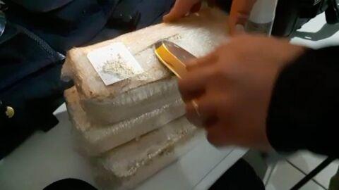 Homem é preso com 2,9 kg de pasta base de cocaína