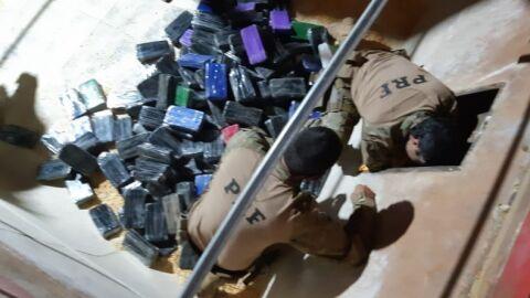 PRF apreende 211,6 Kg de cocaína avaliada em R$ 26,5 milhões
