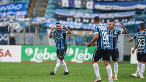 Grêmio vence Inter e conquista segundo turno do Gaúcho