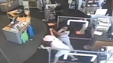 Idosa operada é agredida em loja ao pedir que cliente usasse máscara