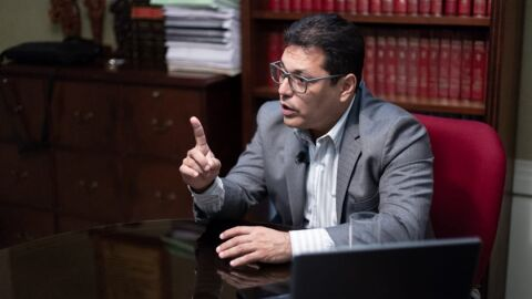 Juiz se 'candidata à tropa' e pede a Bolsonaro convite para vaga no STF