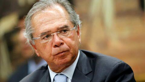 Se auxílio fosse R$ 200, R$ 300 dava pra segurar até um ano, diz Guedes