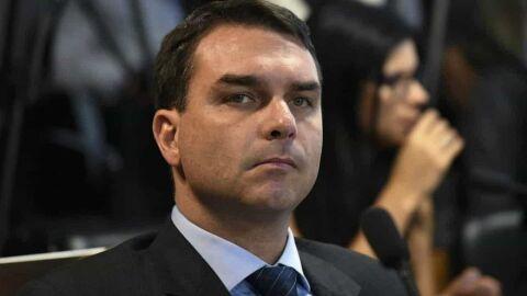 'Um patrão desses': ex-assessores de Flávio Bolsonaro sacaram ao menos R$ 7,2 milhões