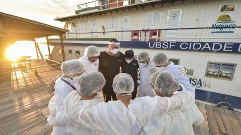 Bolsonaro veta ajuda para profissional de saúde incapacitado por Covid