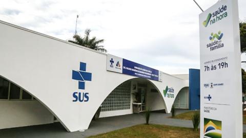 Hoje há 48 clínicos e 16 pediatras disponíveis no período da manhã; veja a escala médica