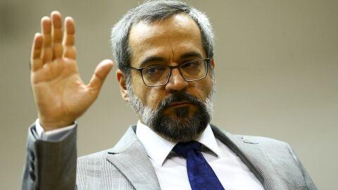 Câmara destina 'título da incompetência' ao ex-ministro da Educação, Weintraub