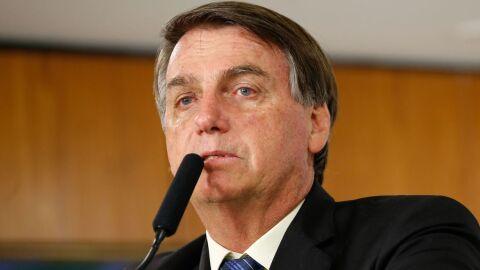Presidente Jair Bolsonaro está sem febre ou dor após cirurgia