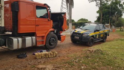 Motorista é preso com 46,9 Kg de pasta-base de cocaína na BR-262