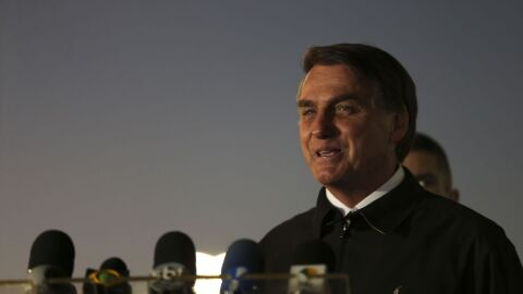 Governo Bolsonaro divulga fake news sobre queimadas no Brasil