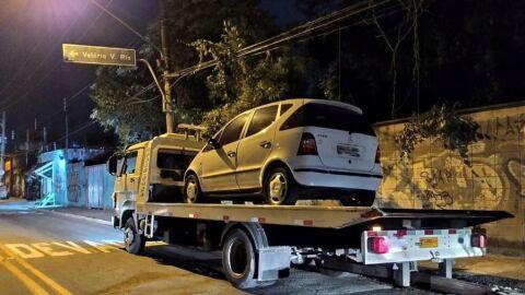 Carro 'bob' é apreendido com mais de R$ 500 mil em multas