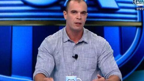 """Ex-atacante chama jornalista esportivo para briga: """"Babaca e frouxo"""""""